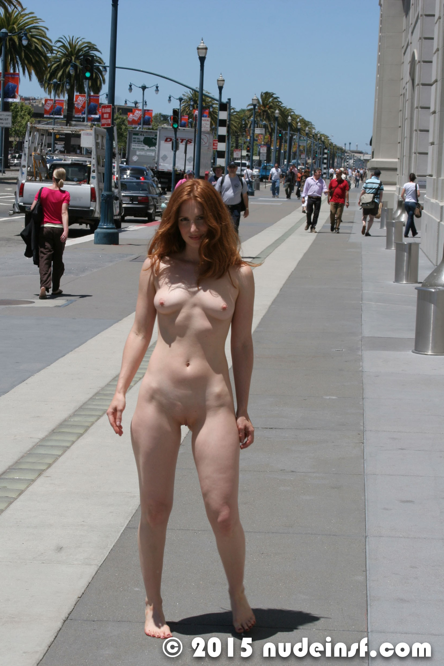 free mature exhibitionist pictures