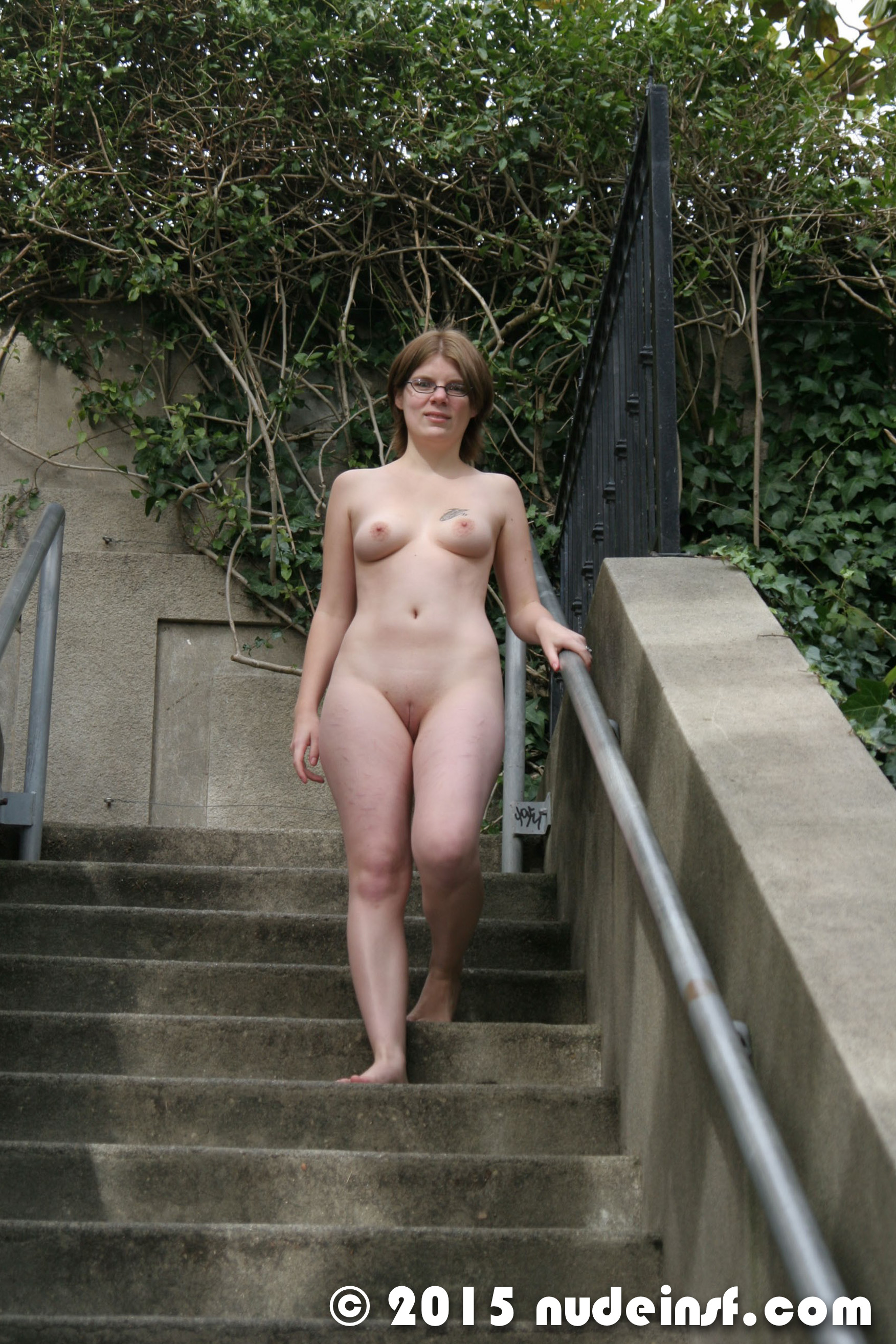 Woman walking naked in seattle - 1 4